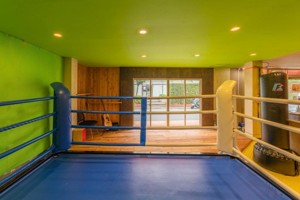 inside1-1024x683 格闘技用(ボクシング、キックボクシング、)リング販売。リーズナブルな価格で提供!ショールームで試せます。