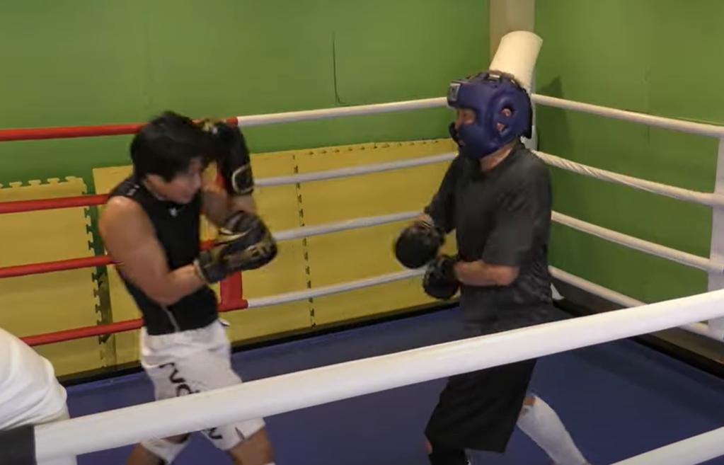 二人の元キックボクシングチャンピオンが教える「安心・安全な日本一やさしいスパーリング教室。」2021年2月11日東京杉並区